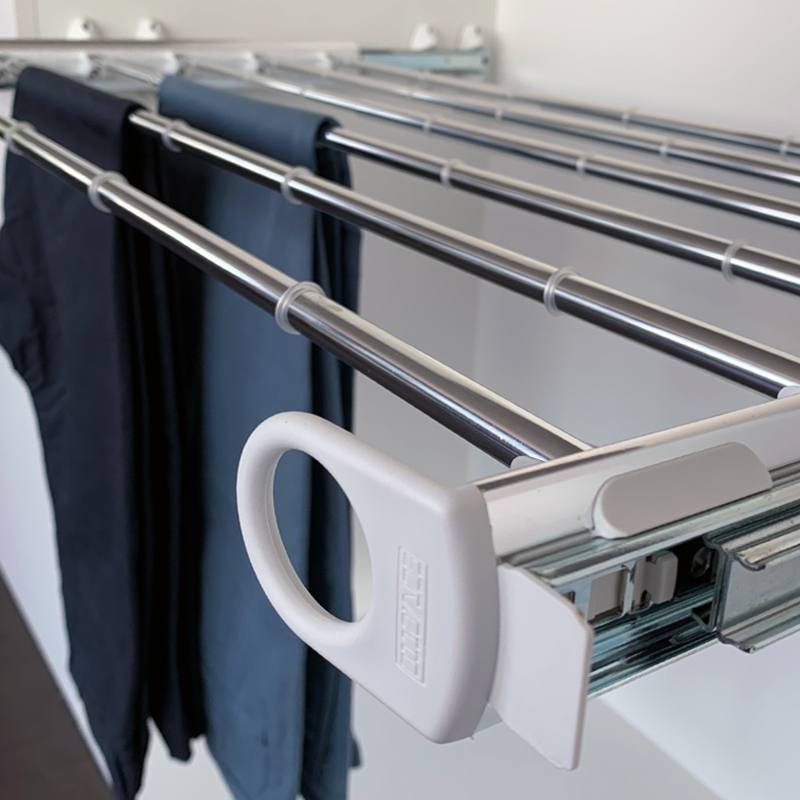 Pull-out width adjustable trousers rack white - bright aluminium 3